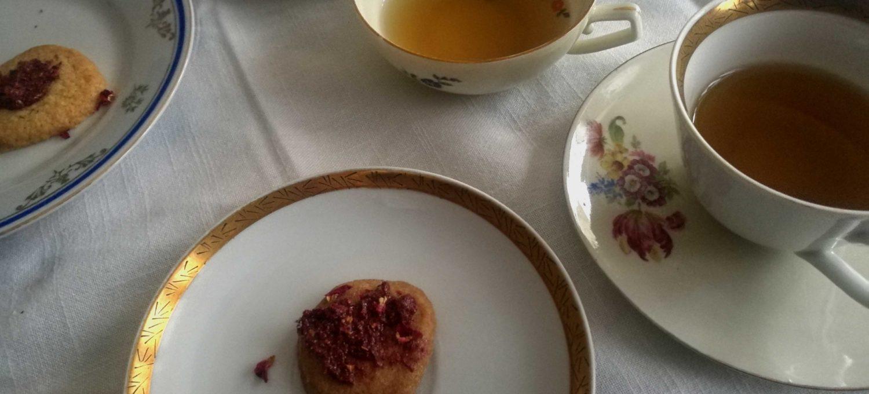 Shortbread mit Rose und Holunder Frosting