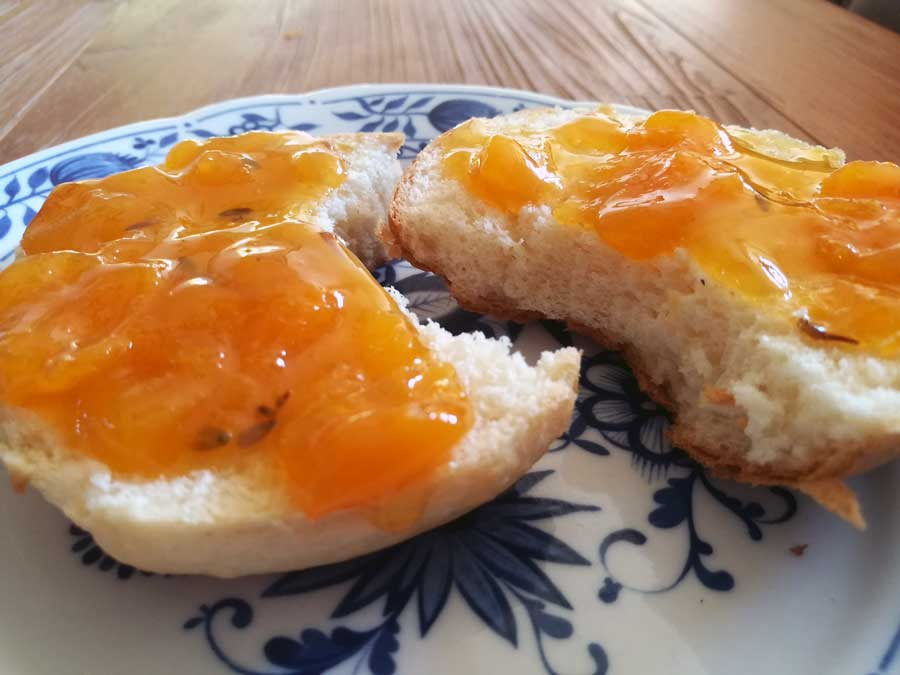 Aprikosen Marmelade mit Lavendel