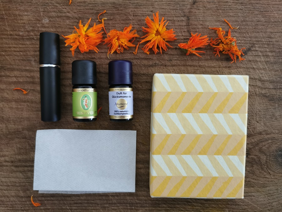 Zutaten für das erfrischende Bodyspray mit Ringelbume und Grapefruit