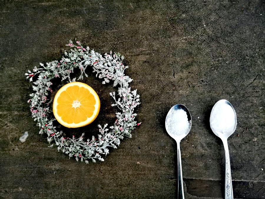 Zutaten für die Badebomben mit Orange